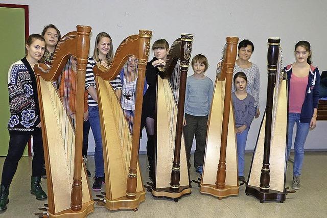 Harfenensemble der Musikschule Weil spielt in der evangelischen Kirche Brombach