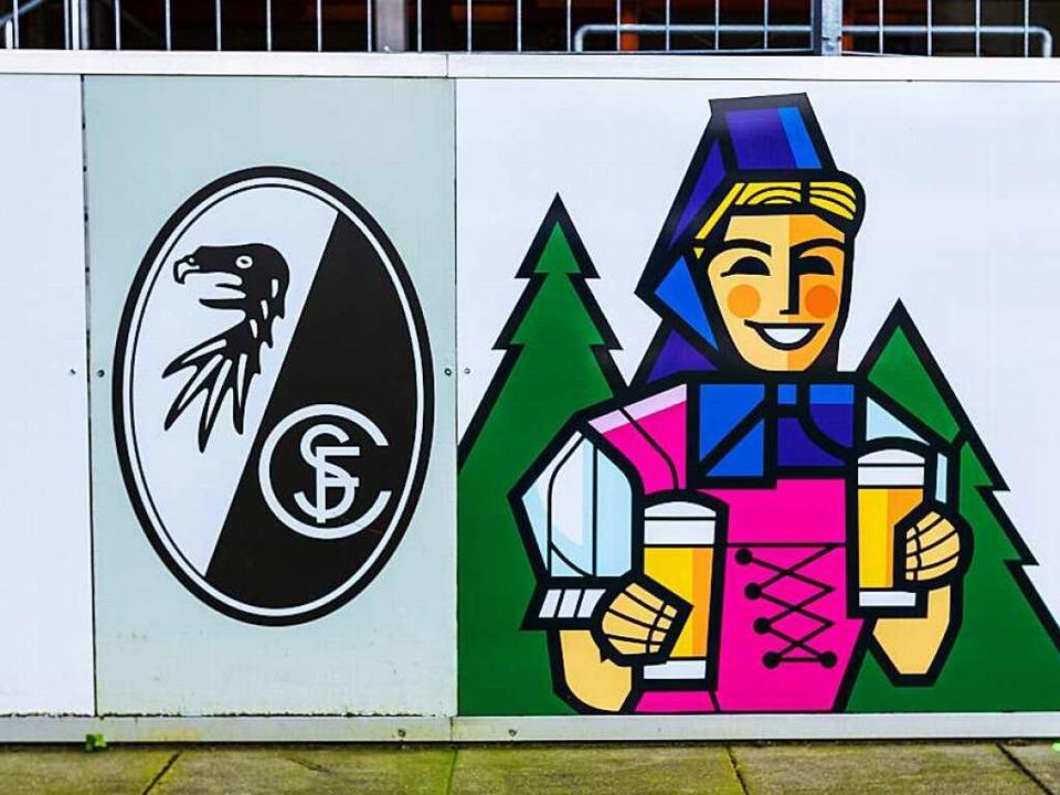 Birgit Kraft steht offensichtlich auf ...ird Mitinvestor beim neuen SC-Stadion.  | Foto: Carlotta Huber