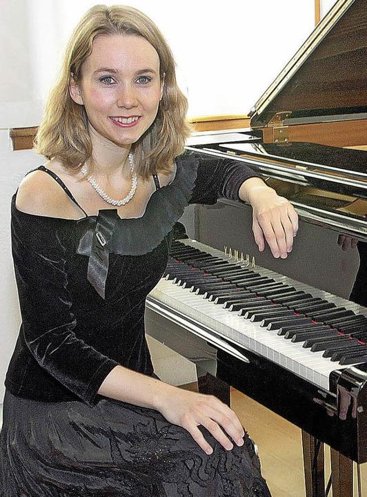 Die junge Pianistin Susanne Lang gasti...r für ein Sonderkonzert im Bürgersaal.  | Foto: Promo