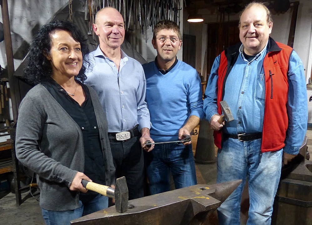 Der neue Vorstand der Schmiedezunft: E... Dreyer, Stipo Babic und  Peter Kainz   | Foto: Ingrid Arndt