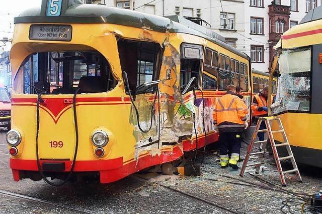 Karlsruhe: Zwölf Verletzte nach Straßenbahn-Kollision