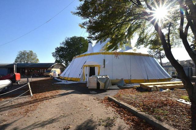 Die Zirkusschule bekommt ein drittes Zelt