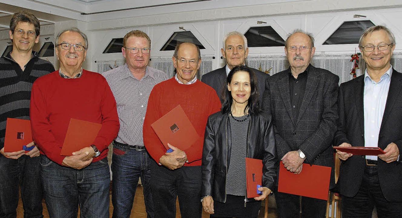 Ehrungen beim SPD-Ortsverein Weil und ...urger, Lothar Knorr und  Jürgen Valley  | Foto: Sedlak