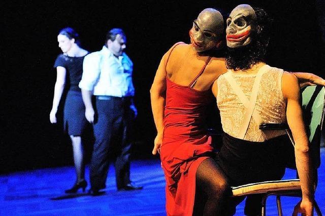 Bizets Carmen am Theater Freiburg: Choreographie des Teufelskreises