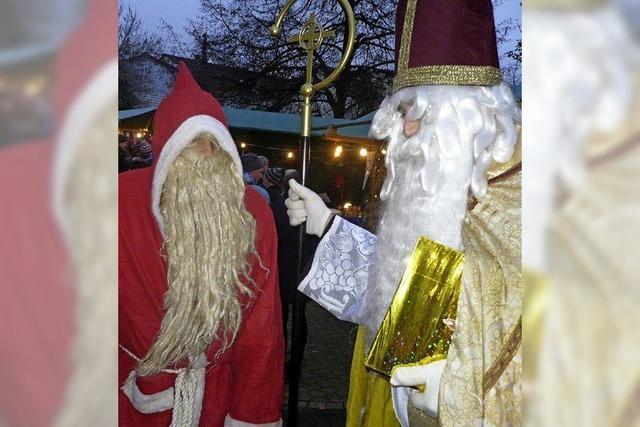 Der Glühwein wärmte, der Nikolaus beschenkte