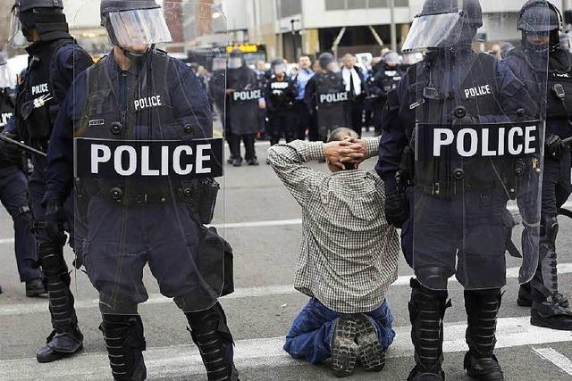 Reformen: US-Polizisten sollen Körperkameras tragen