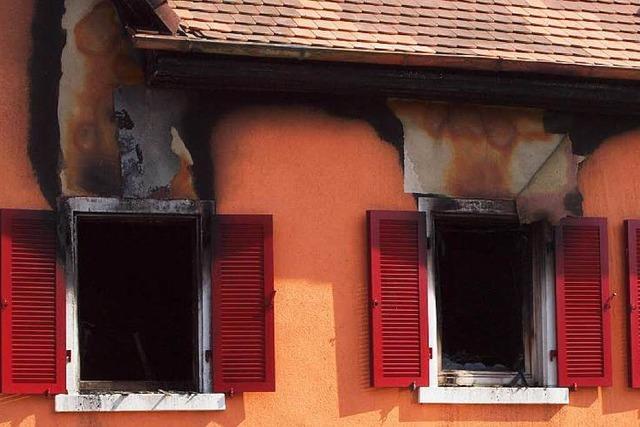 Frau getötet, Wohnung angezündet: Kenzinger Mordprozess beginnt