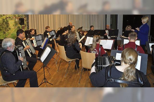 Musikalische Vielfalt von zwei Orchestern