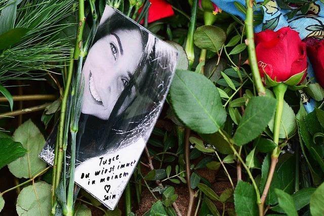 Große Trauerfeier: Gewaltopfer Tugce beigesetzt