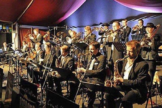 Constellation Big Band spielt in der Wodan Halle in Freiburg