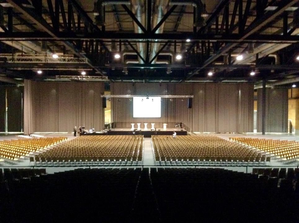 Um 18.15 Uhr ist die Messe Freiburg no...19 Uhr beginnt die Inforveranstaltung.