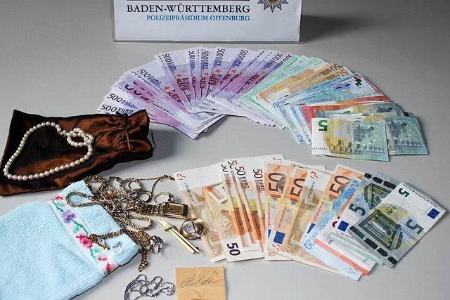 Falsche Polizisten erbeuten Geld und Schmuck – Bande ausgehoben