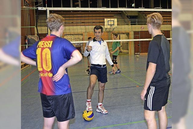 Vom Volleyball kann Nima nicht leben