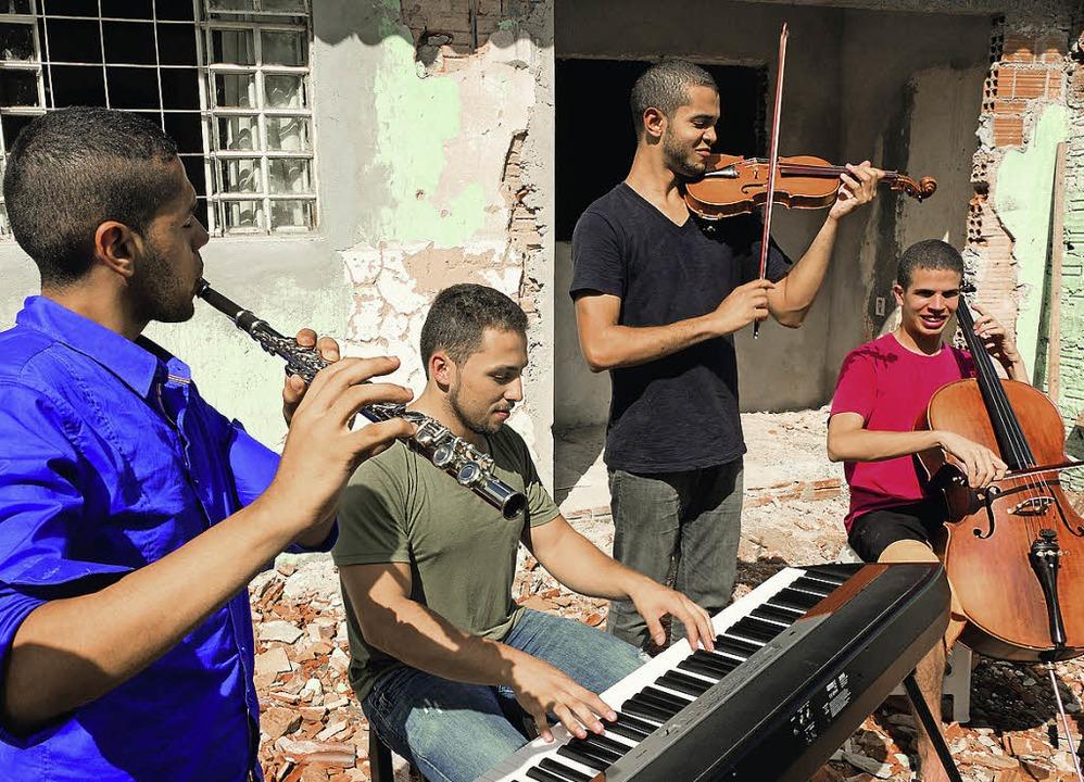 Konzert für die Nachbarn: Musikschüler aus Londrina    Foto: Wolfgang Wick