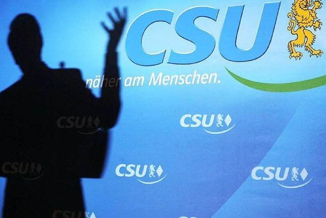 CSU: Ausländer sollen zu Hause Deutsch reden