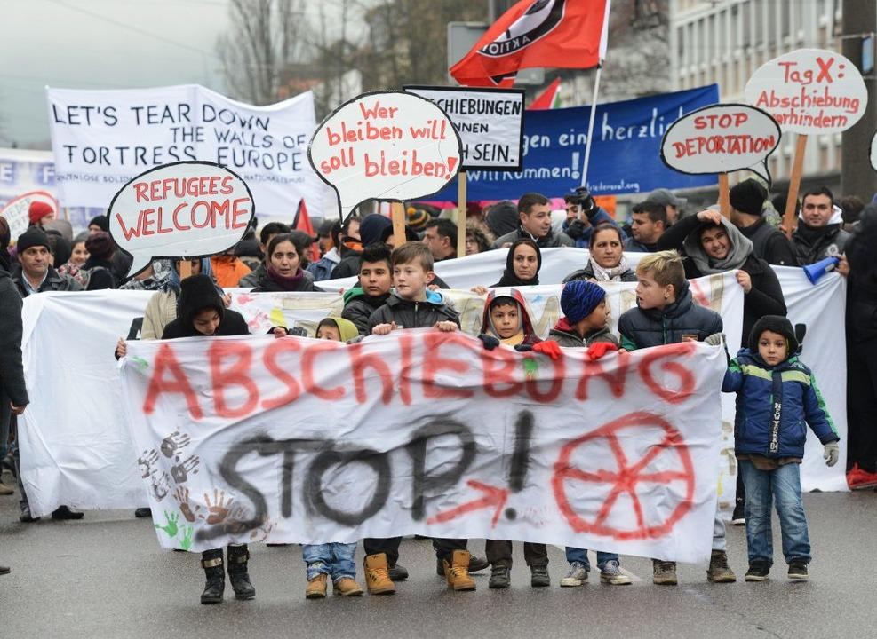 Demonstration in Freiburg für Bleiberecht und gegen Abschiebungen.  | Foto: Rothermel Winfried