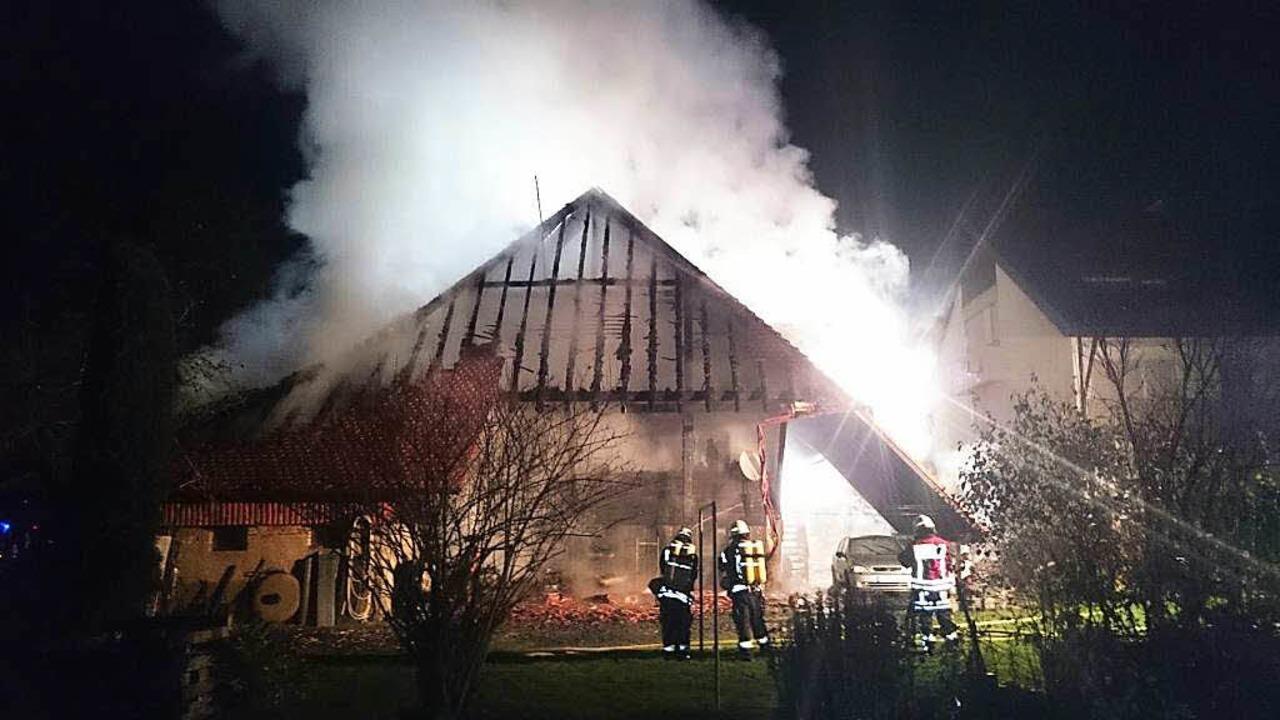 Großbrand auf einem Bauernhof in Buchholz.  | Foto: Kamera24