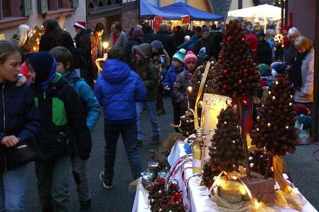 Stimmungsvoller Adventsmarkt für einen guten Zweck