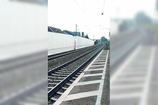 Güterverkehr auf der Autobahntrasse: Die Bahn rudert wieder zurück