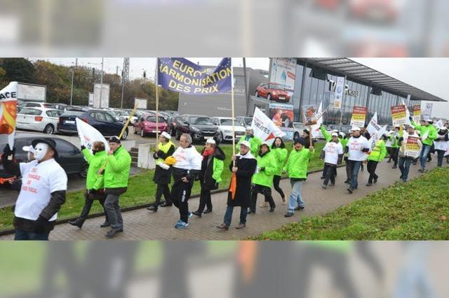 Protestzug französischer Tabakladenbesitzer in Kehl