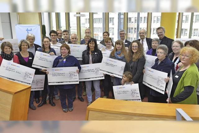 PSD-Bank spendet 16500 Euro für Freiburger Einrichtungen