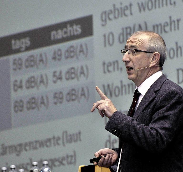 Moderator Christoph Ewen  | Foto: Siegfried Gollrad