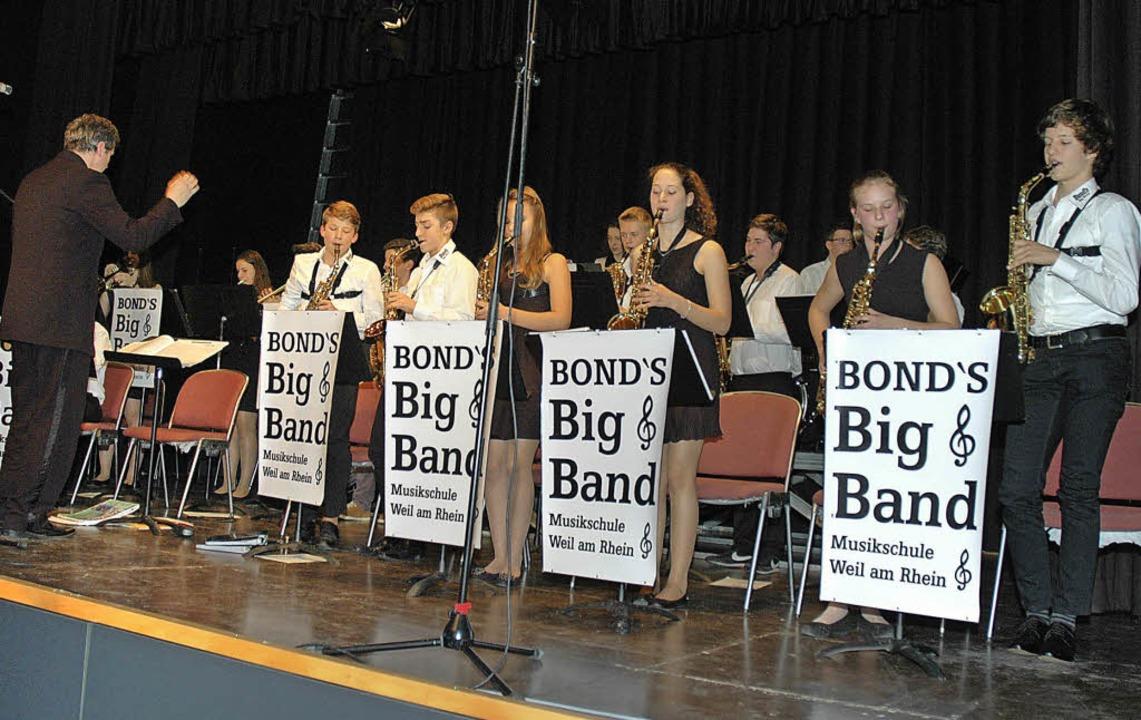 Bond's Big Band spielte  ein beg...des Benefizkonzert für den Lionsclub.   | Foto: Ounas-Kräusel