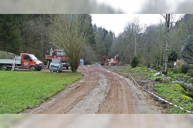 Der Bau der Kläranlage geht voran, der Naturerlebnisgarten ruht