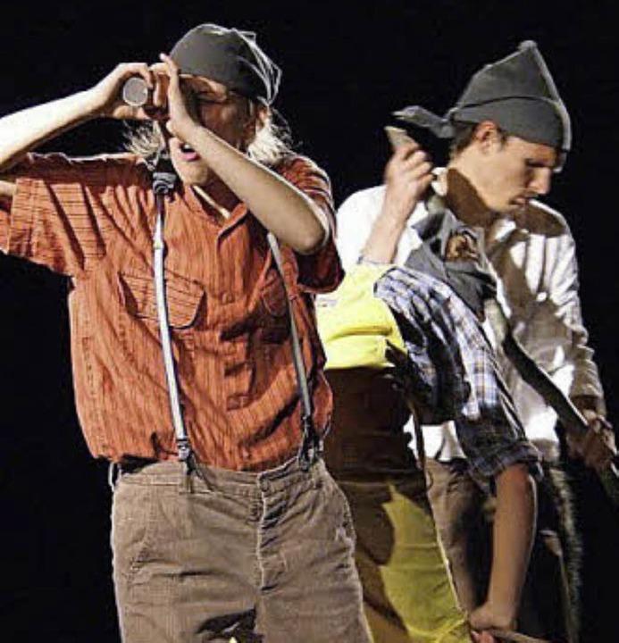 Tom (Tabea Schweiker)  als Pirat  | Foto: Bischler