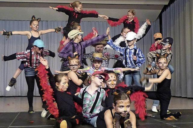 Tanzen und Turnen auf dem Bauernhof