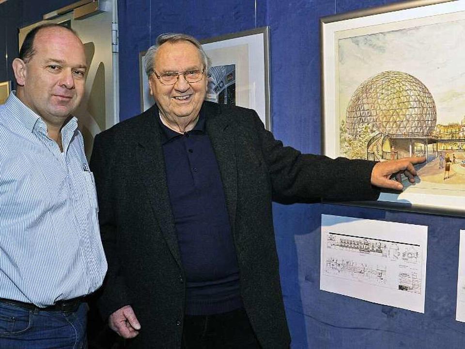 Stephan Hercher (links) und Günther St... engste Mitarbeiter von Ulrich Damrau.  | Foto: Bernhard Rein, Bernhard Rein