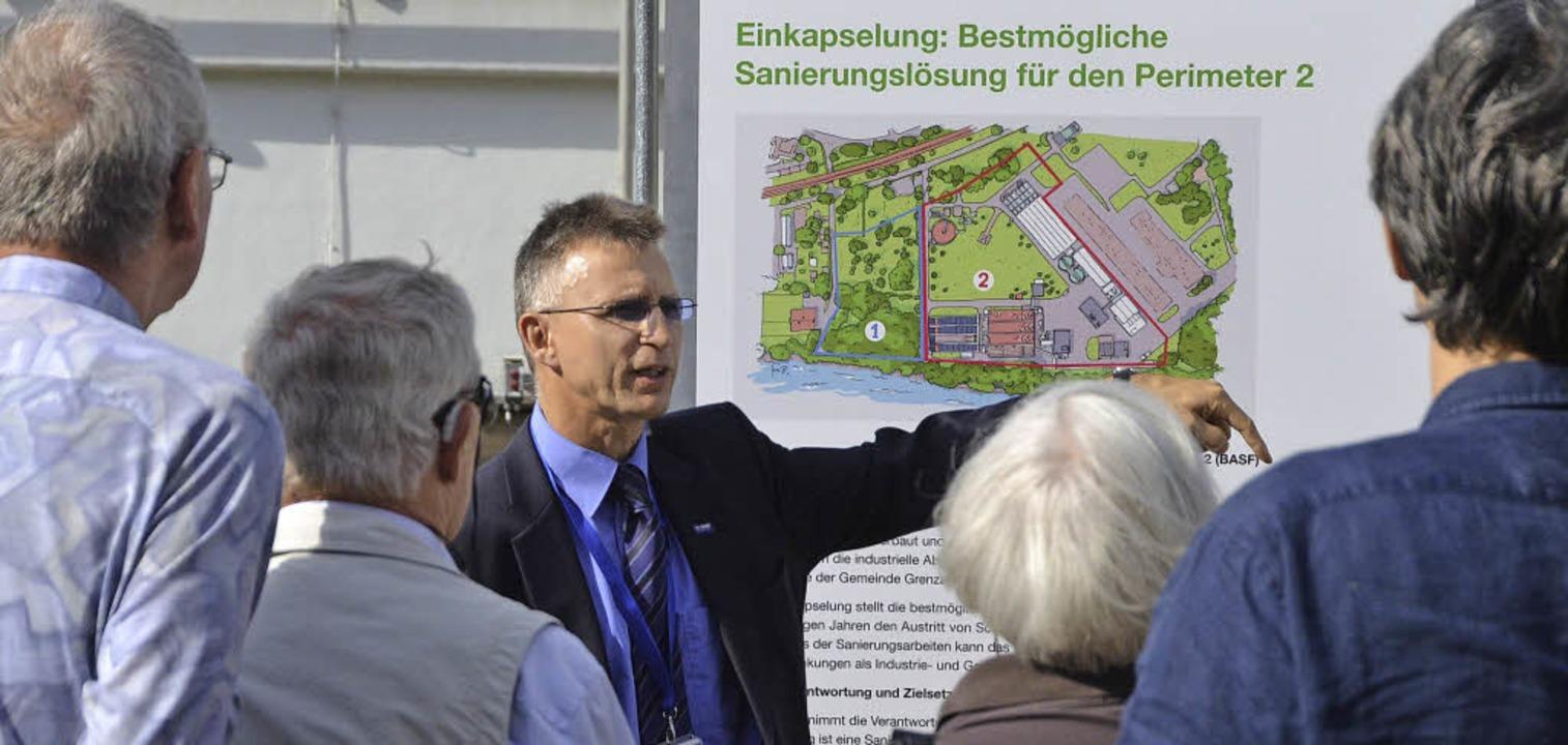 Der Projektleiter der BASF Livio Ulman...e Gemeinde will Widerspruch einlegen.   | Foto: Peter Gerigk
