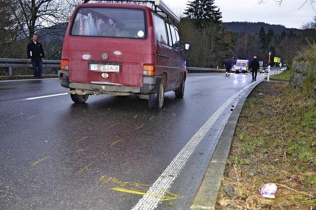 14-Jährige von Kleinbus erfasst und schwer verletzt