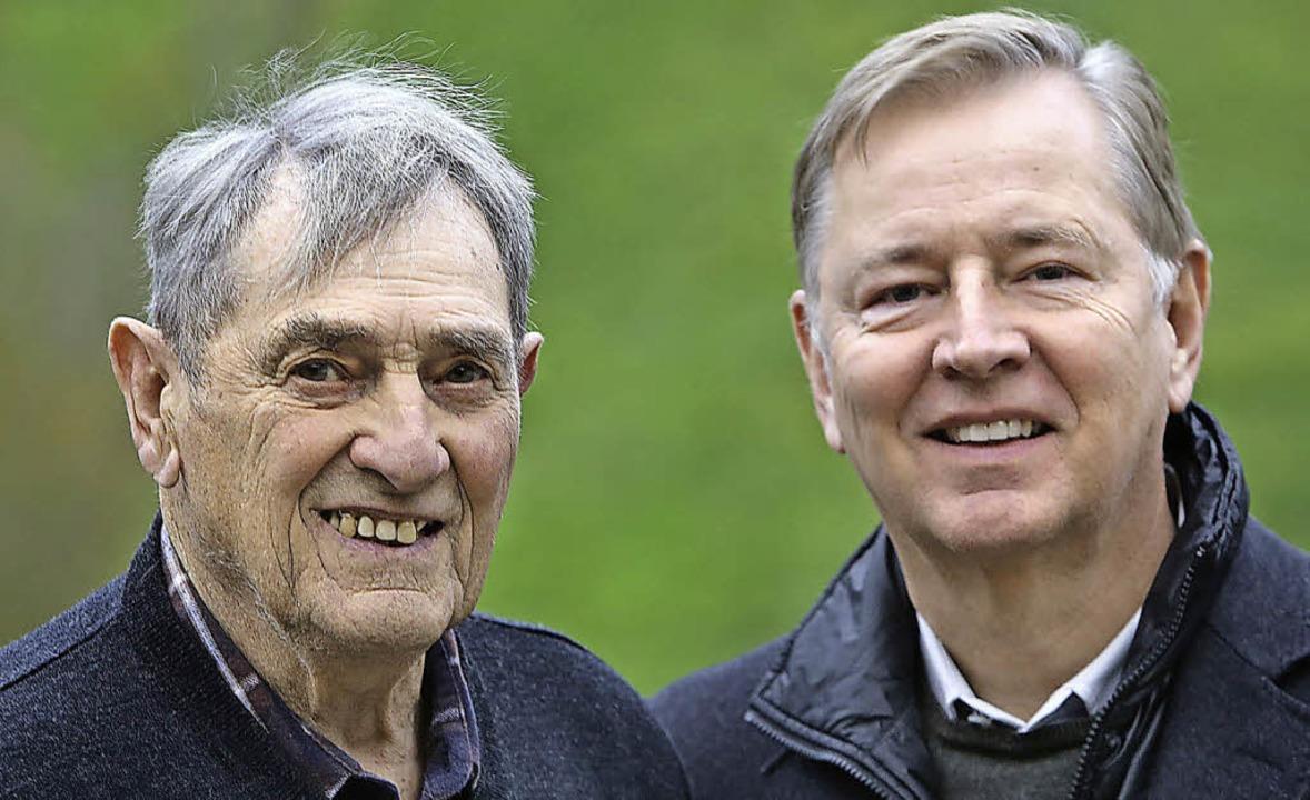 Karl Kern und Professor Jürgen Ennker beim Besuch in Durbach  | Foto: CHR. BREITHAUPT