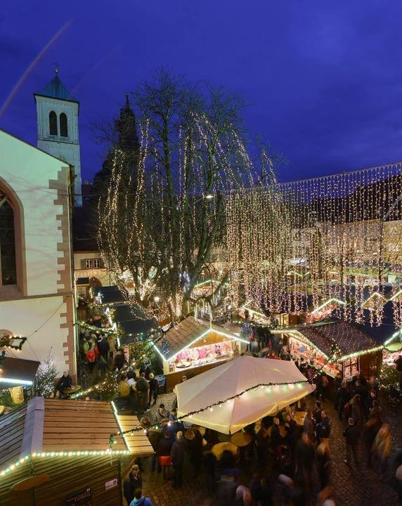 Der Freiburger Weihnachtsmarkt hat vie... Spanien wirkt seine Anziehungskraft.   | Foto: Ingo Schneider