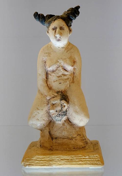 Humorvolle Figurinen sind von der Brem...nstlerin Stefanie Supplieth zu sehen.     Foto: Galerie