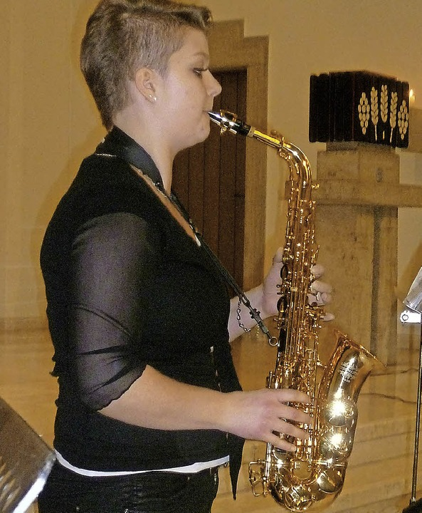 Katja Jaschke am Alt-Saxophon    Foto: Gabriele Rasenberger