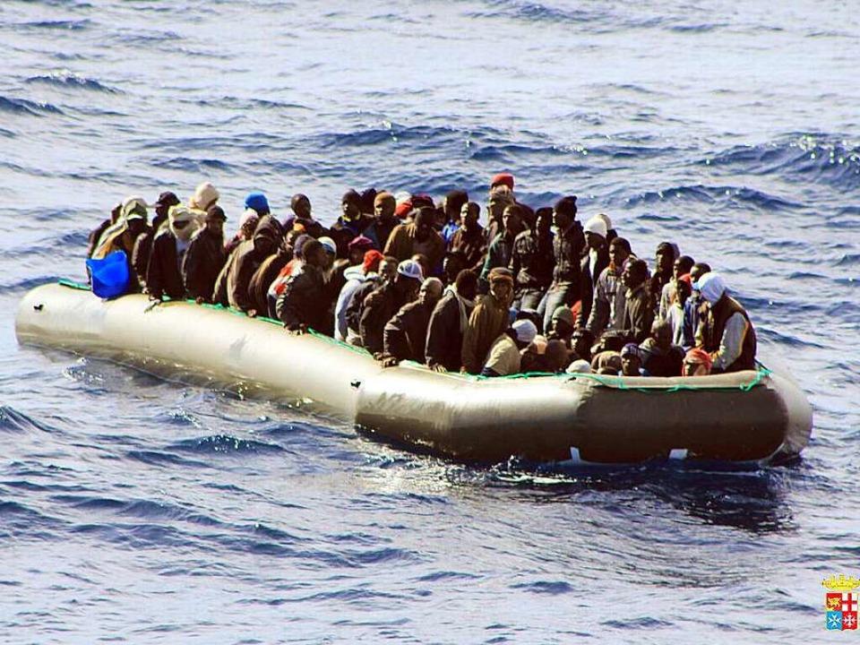 Das Boot ist voll. Aber nicht in Deutschland.  | Foto: dpa