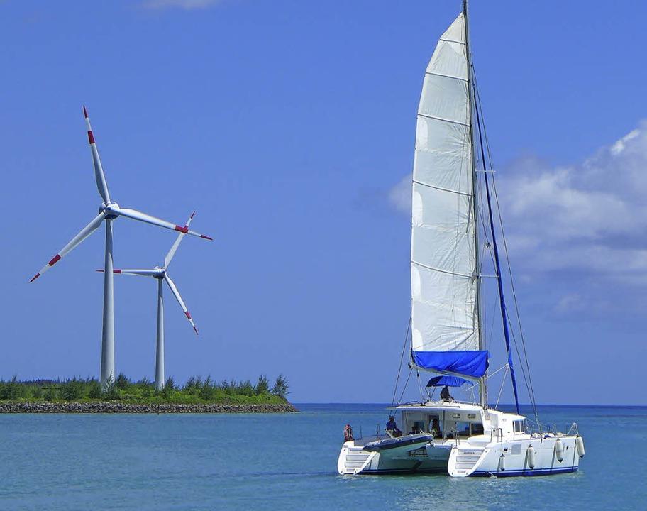 Aufbruch Richtung Praslin: Die Windräder stehen Spalier.   | Foto: Zahler