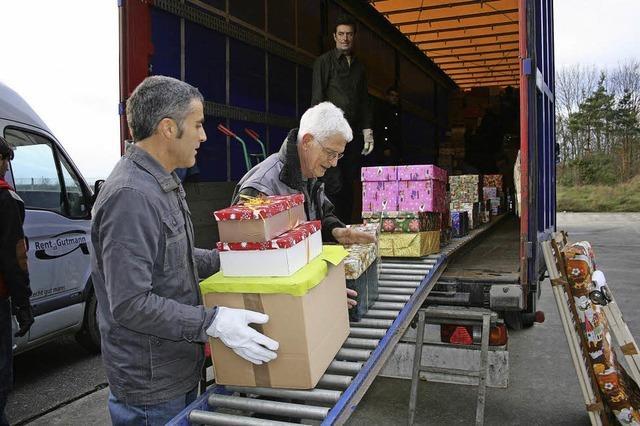 Mehr als 800 Weihnachtspäckchen aus dem Breisgau für Rumänien