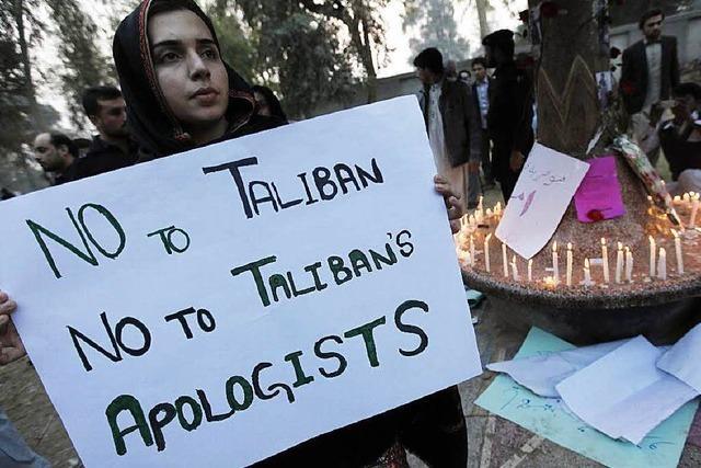 Pakistan führt für Terroristen wieder die Todesstrafe ein