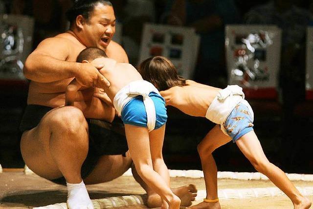 Japan speckt kollektiv ab – Firmen messen Bauchumfang