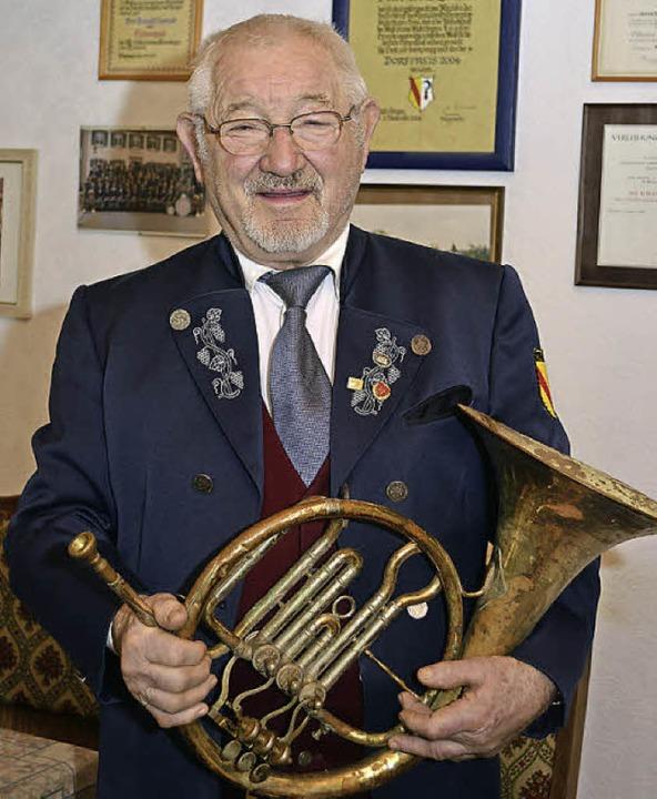 Nach  mehr als  63 Jahren als aktiver ...nabend des Musikvereins verabschiedet.    Foto: Dieter Erggelet