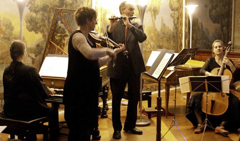 """Das Ensemble """"Sans Souci"""" im Bad Krozinger Schloss    Foto: Kugler"""