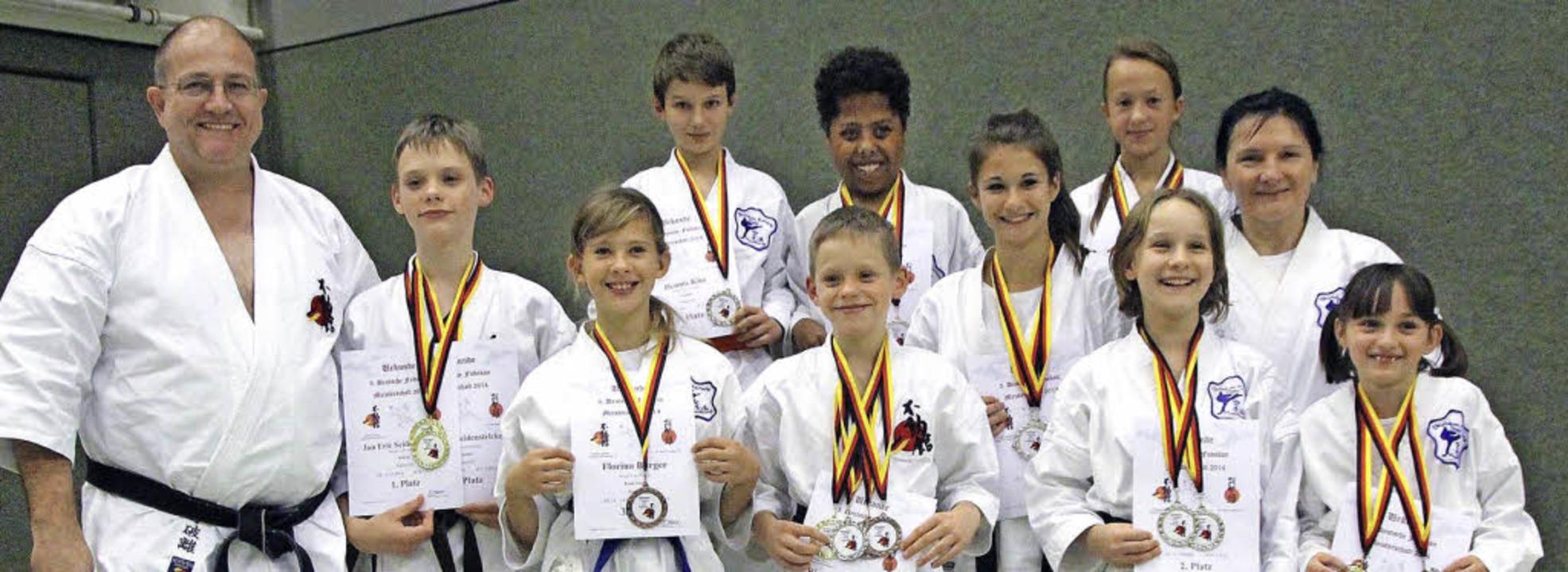 Steinens Karateka haben  an der Fudoka...neun  Deutsche Meistertitel errungen.     Foto: zvg