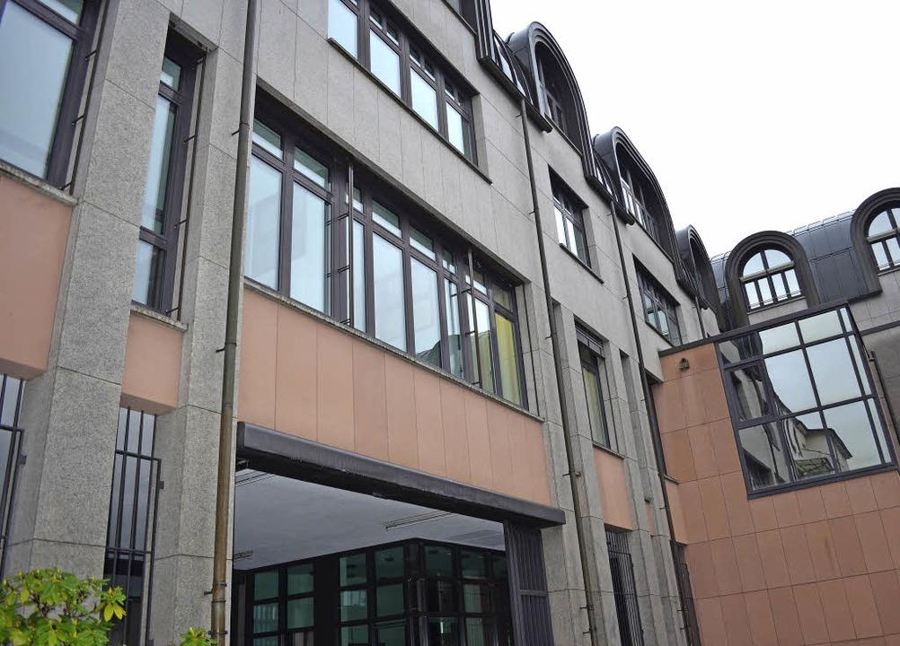 Neue Adresse: Im ersten Obergeschoss d...bäude er einstigen Landeszentralbank.   | Foto: Nikolaus Trenz
