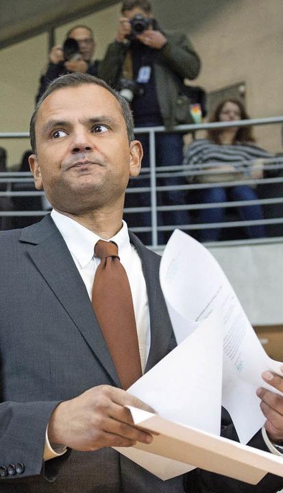 Sebastian Edathy vor dem Untersuchungsausschuss    Foto: DPA