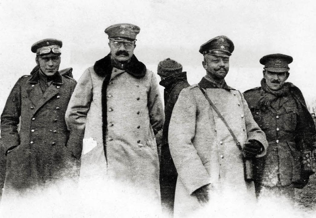 Frieden auf Zeit: deutsche und englische Offiziere  1914    Foto: dpa