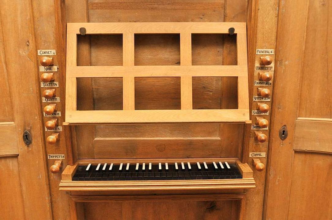 Das Manual der kleinen Orgel in der Kirche St. Michael in Niederrotweil.  | Foto: Kai Kricheldorff
