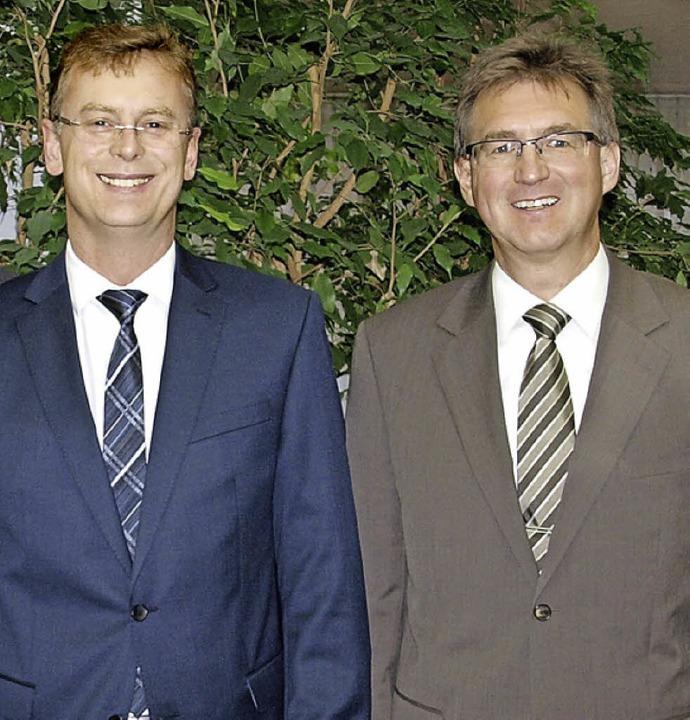 Der stellvertretende Regionaldirektor ...l Erfolg bei den zukünftigen Aufgaben.  | Foto: Sparkasse